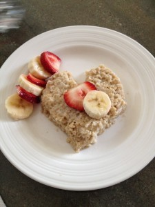 Oatmeal heart and fruit